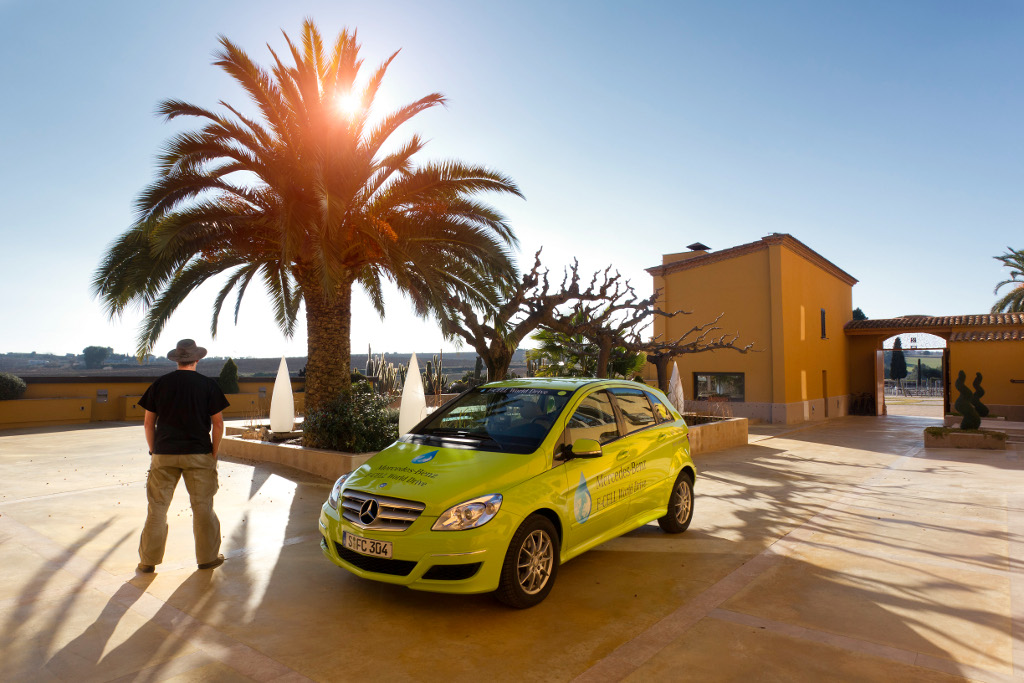 Mercedes-Benz F-CELL World Drive in Barcelona