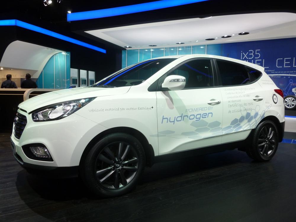 Изображение Hyundai ix35 - первой машины на водородных топливных элементах, которая стала производится в массовых количествах.